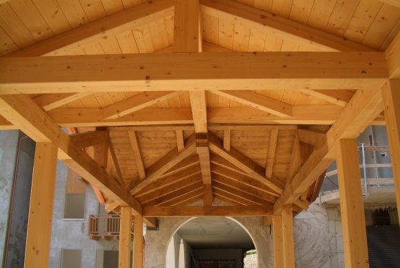 Tettoia in legno per Famiglia Cooperativa - ECO-HOLZ